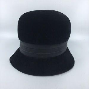Black Vintage Peachbloom Velour Fur Hat